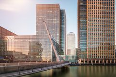 View to the South Quay footbridge leading to Canary Wharf in London Stock Images