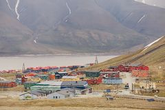 View to the town of Longyearbyen, Norway. Royalty Free Stock Photos