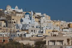 View to the traditional Cyclades village Pyrgos Royalty Free Stock Photos