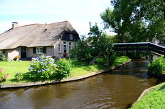 View of typical houses of Giethoorn,The Netherlands. Royalty Free Stock Photos