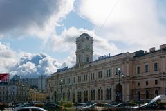 View of the Vosstaniya Square and building of the Moscow railway station. RUSSIA, SAINT PETERSBURG - AUGUST 18, 2017:  Town square. View of the Vosstaniya Square Royalty Free Stock Image