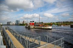 Paddle Steamer Waverley heading `doon the Watta`, Glasgow, Scotland. A view of the world famous Paddle Steamer Waverley heading down the River Clyde looking East Stock Photos