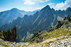 Viewin высокое Tatras утесистых гор Стоковые Фото