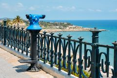 Viewing punkt w kierunku cud plaży i otaczającego morza śródziemnomorskiego, Tarragona, Catalonia, Hiszpania obrazy royalty free