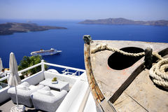 Viewpoint. Dream house set on a hill overlooking the sea (Santorini - Greek Islands Stock Photo