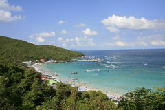 Viewpoint of sky blue and wave in koh larn Stock Photos