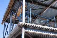 Vigas de aço, decking com assoalhos concretos Imagens de Stock