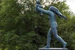 Vigeland雕塑在维格兰雕塑公园在奥斯陆 库存照片