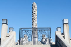 Vigeland centerpiece and gate Royalty Free Stock Images