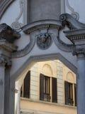 Vigevano, Италия: историческая аркада Дукале стоковая фотография rf