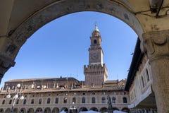 Vigevano, Италия: историческая аркада Дукале стоковое изображение rf