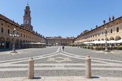 vigevano аркады ducale стоковые изображения