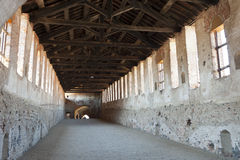 Vigevano, behandelde straat van het kasteel stock foto