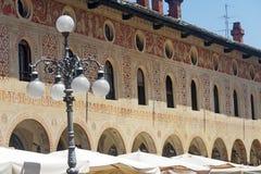 Vigevano, plaza Ducale Foto de archivo