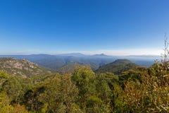 Vigia cênico redonda do Mt na estrada de Olivers na montagem Roland Regional Foto de Stock