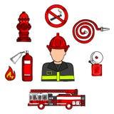Vigile del fuoco in uniforme con le attrezzature antincendio Immagine Stock Libera da Diritti