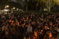 Vigilia de luz de una vela para París Imagen de archivo libre de regalías