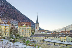Vigna e st Martin Church di Chur ad alba Immagini Stock