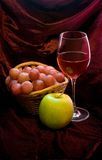 Vigne et fruits Photographie stock libre de droits