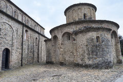Vigolo Marchese Piacenza, Italien: medeltida kyrka Arkivfoton