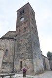 Vigolo Marchese Piacenza, Italien: medeltida kyrka royaltyfri foto