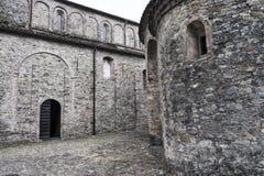 Vigolo Marchese Piacenza, Italien: medeltida kyrka arkivbild