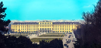 Viiew of famous Schonbrunn Palace Stock Photography