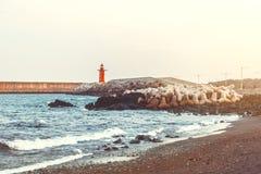 Viiew panoramique sur le phare moderne à l'île de Jeju - Corée du Sud Images libres de droits