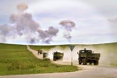 vijandigheden Militaire opleidingsgrond met explosies royalty-vrije stock foto's