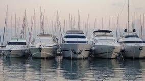 Vijf boten in de haven, Spleet, Kroatië royalty-vrije stock afbeelding