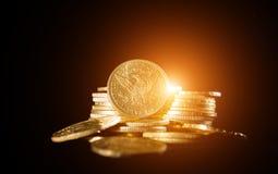 Vijf Dollars gouden muntstukken Stock Afbeelding