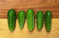 Vijf Groenten in het zuur op een rij royalty-vrije stock fotografie