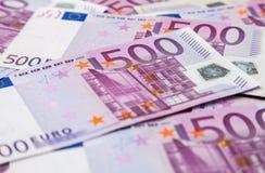 Vijf honderd euro nota's Stock Afbeeldingen