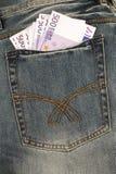 Vijf honderd euro nota's in een zak Stock Foto