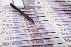 Vijf honderd euro rekeningen Stock Foto