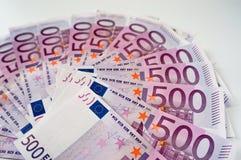 Vijf honderd eurobankbiljetten in ventilator royalty-vrije stock afbeeldingen