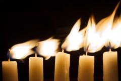 Vijf Kaarsen in Dark Royalty-vrije Stock Afbeelding