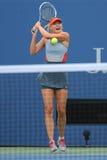 Vijf keer Grote Slagkampioen Mariya Sharapova tijdens derde ronde gelijke bij US Open 2014 Royalty-vrije Stock Foto