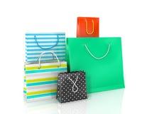 Vijf kleurrijke document zakken voor het winkelen Royalty-vrije Stock Afbeeldingen
