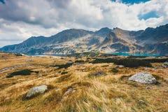 Vijf merenvallei in Hoge Tatra-Bergen Stock Afbeeldingen