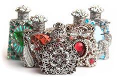 Vijf parfumflessen Royalty-vrije Stock Afbeeldingen