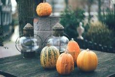 Vijf pompoenen Halloween stock foto