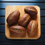 Vijf roggebroodjes Royalty-vrije Stock Foto's