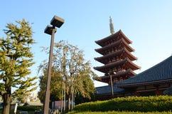 Vijf-verdieping pagode bij Sensoji-Tempel in Tokyo royalty-vrije stock foto
