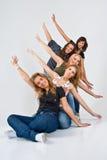 Vijf vrolijke vrouwen Stock Fotografie