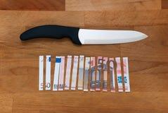 Vijftig euro in stukken Stock Afbeelding