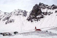 VIK/ICELAND - 2月02日:教会的看法Vik的冰岛2月0日 库存图片