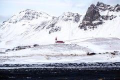 VIK/ICELAND - 2月02日:教会的看法Vik的冰岛2月0日 免版税库存图片