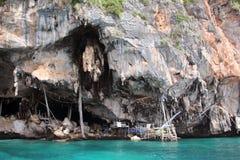 Viking Cave, Koh Phi Phi Island, het Andaman-Overzees, Thailand In het hol, taxeerde hoogst eetbare swifts ` nesten worden geoogs stock afbeelding