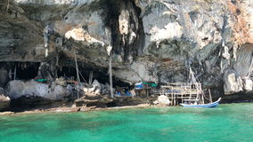Viking Cave sur l'île de Phi Phi Leh Image stock